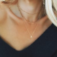 Collier multirang triangle
