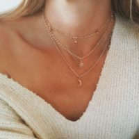 Collier original lune multirangs