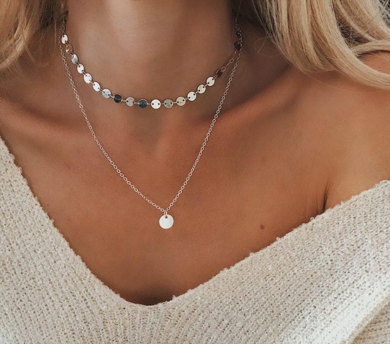 collier medaille argent tendance femme