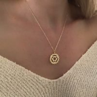 collier createur medaille tendance