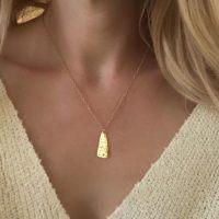 collier fantaisie medaille martele fait main