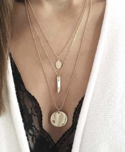 Collier multirangs medailles